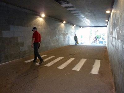 13n-ncP1020983-TunnelWalk