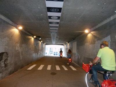 13n-ncP1020988_TunnelRide